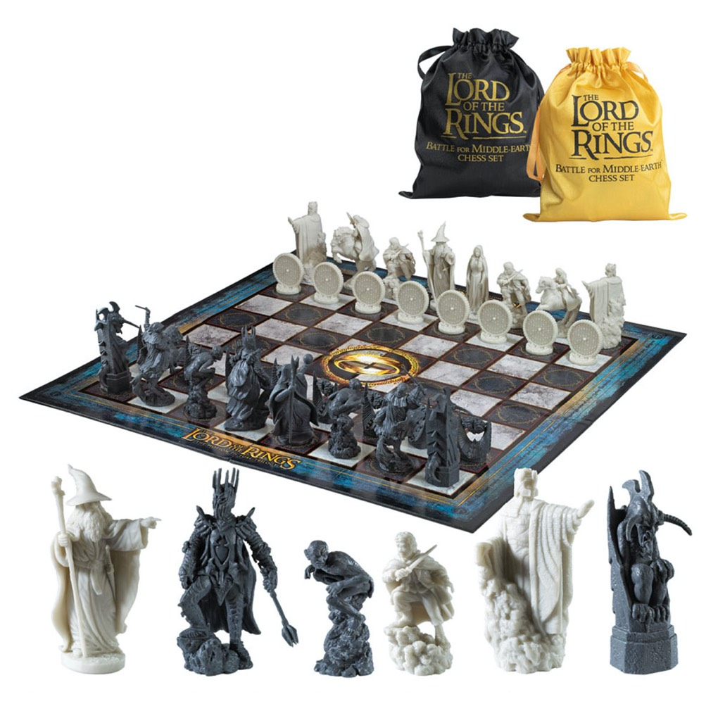Battle for Middle Earth Chess Set